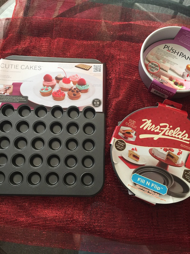 There is nothing more aggravating than having to use to 3 or 4 mini cupcake tins when I'm baking mini cupcakes. With Love Cooking Company