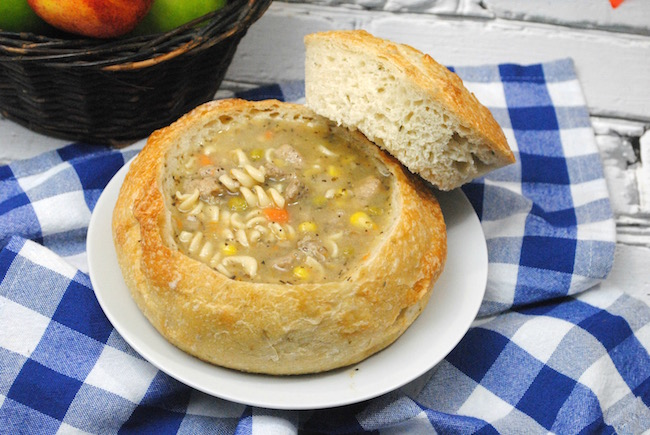 There will be leftover turkey after Thanksgiving & you want recipes to use it up. Why not a Bread Bowl Crock Pot Apple Turkey Vegetable Soup Recipe.