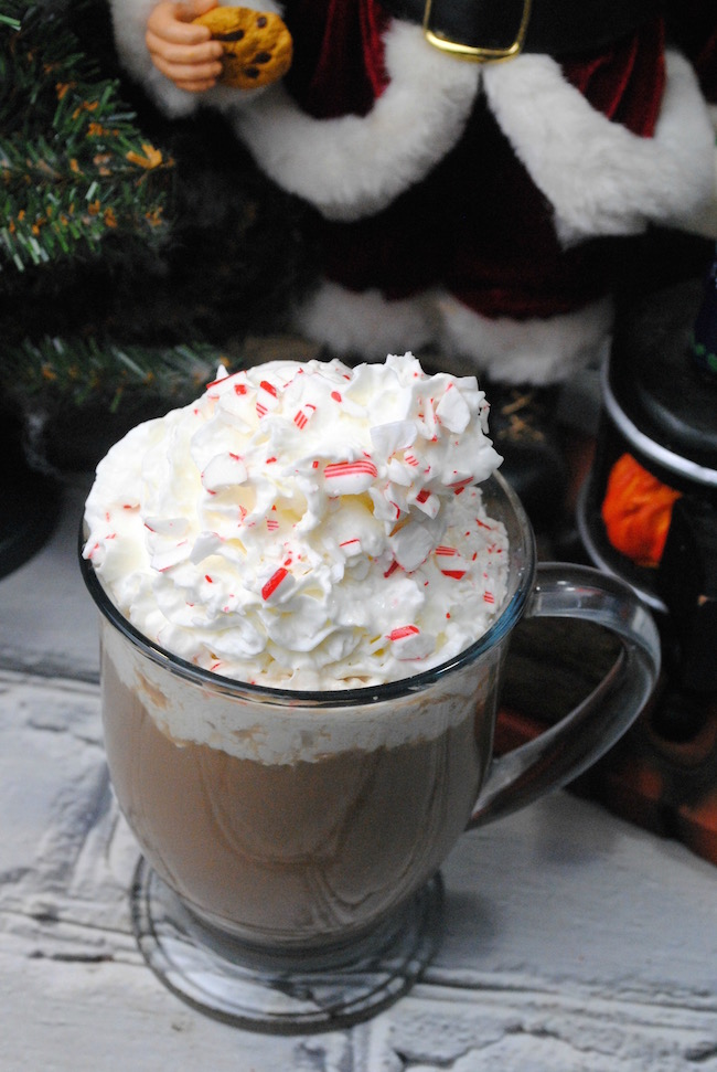 The cold is here to stay! At least for a few months. So why not keep warm with a Starbucks Peppermint Mocha Latte recipe.