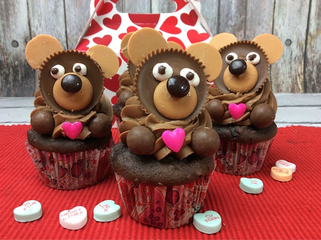 Know someone that needs some cheering up, friend or family? Give them a Valentine's Day Bear Cupcake and they will cheer up right away!
