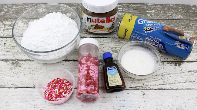 With Valentine's Day just a week away, we still have plenty of fun recipes to share with you like this Valentine Nutella Crescents recipe.
