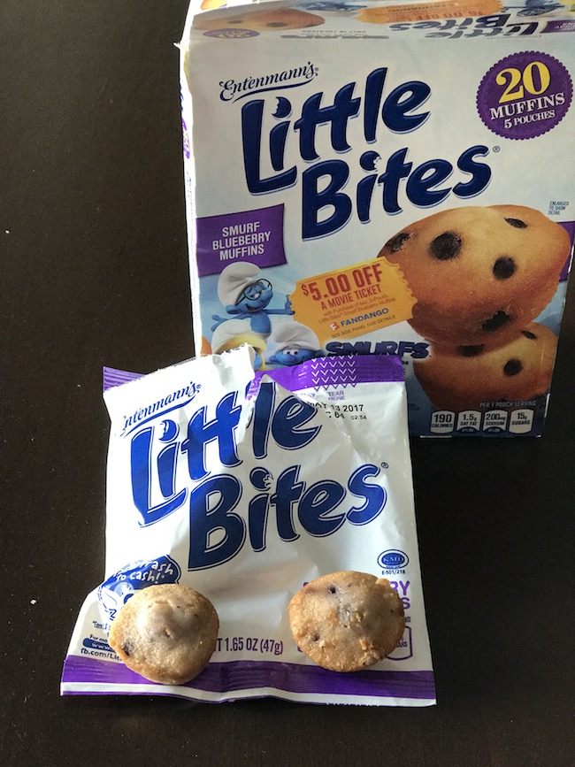 Have you seen the Smurf Approved Entenmann's® Little Bites® Muffins? The Smurf Blueberry Muffins are the perfect Smurf-approved baked snacks.