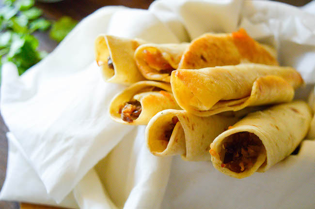 In honor of Cinco de Mayo, we have prepared a Weight Watchers Pork Taquitos Recipe in the air fryer but we like to make them anytime.