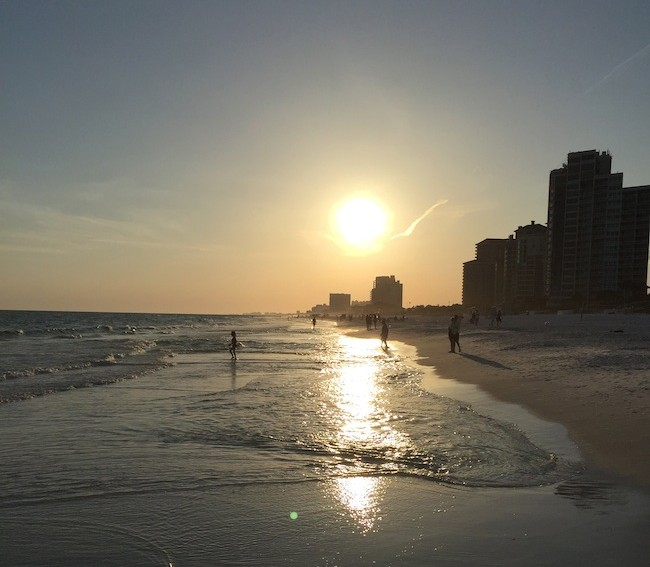 Hilton SanDestin is the perfect place to relax & enjoy the ocean air along with good food. Spend the day at the pool, eat by the ocean & watch the sun set.