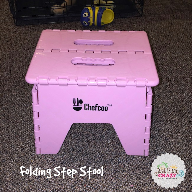 The Chefcoo Folding Step Stool is great for kids & sturdy enough for adults. Rubber feet that keep it in place & is lightweight. Available in pink or mint.