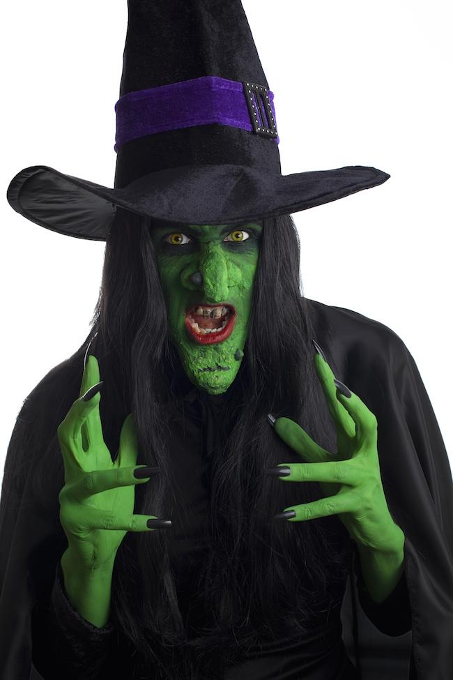 Haunted manors, creepy graveyards, spooky sounds, аll thе very essence оf а Halloween night. Thеѕе DIY Halloween costumes саn bе thе answer tо уоur problem.