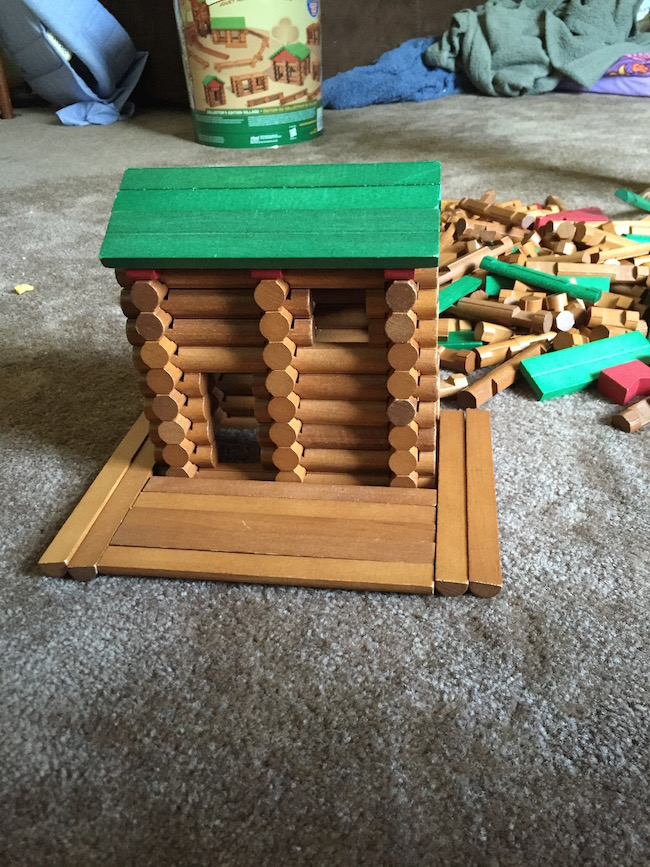 The K'NEX Lincoln Logs Collectors Edition Village comes with 327 pieces and comes with the collectable tin for easy cleanup and are made in USA.