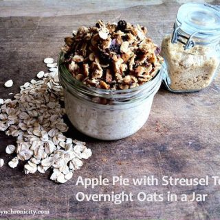 Today, my blogger pal Cyn is sharing one of her favorite ways to start off her day in a healthy, delicious way with Apple Pie Overnight Oats in Jar.
