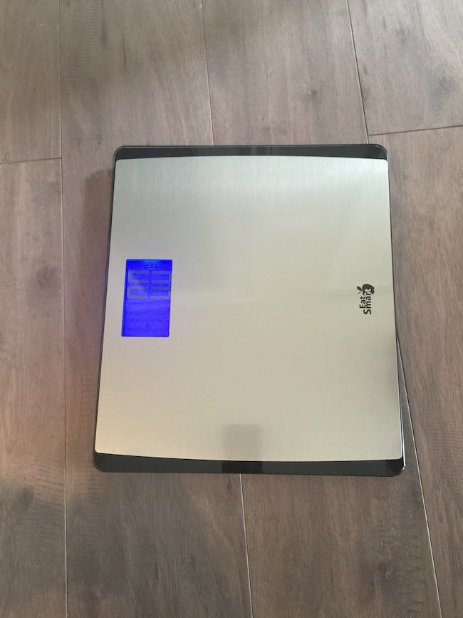 With it's large 3.7 inch lighted LED display, the digital scale is easy to read day or night. It has a glass base & a platform that resists fingerprints.