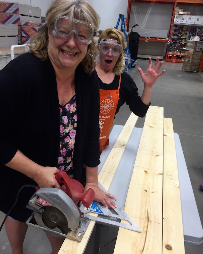 As I was surfing Facebook a couple weeks ago, Home Depot DIH Workshop came through my newsfeed with a Grilling Caddy Tool Box.