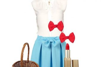 The Halloween Dorothy costume is clothing that you can wear daily and can be worn separately if you don't want to wear it together (except on Halloween.)