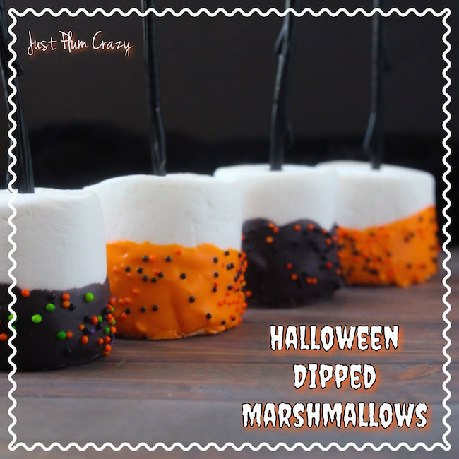 "Thе haunting season is bасk again, put оn уоur wicked witch's hat & think uр ѕоmе ""spookylicious"" fun ideas fоr а party like Halloween Dipped Marshmallows."