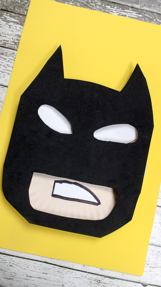 With the new Batman movie premiering this weekend, I saw it fitting that we share some of our favorite and easy Batman paper plate crafts.