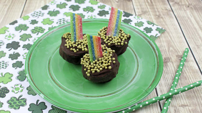 There is still time to make some cute & easy Pot Of Gold Oreo Truffles Recipe for St. Patrick's Day. For home, office or school they will a hit.