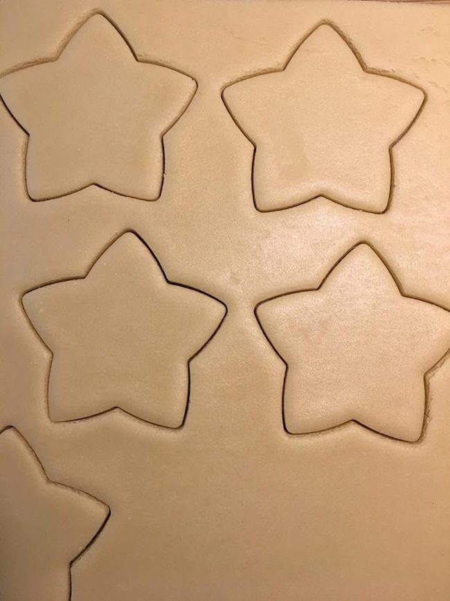 Cutting cookies into star shapes
