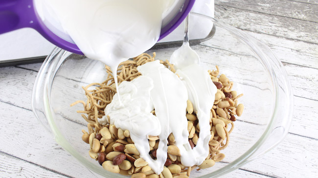 Haystack recipe mixing chocolate with nuts and noodles