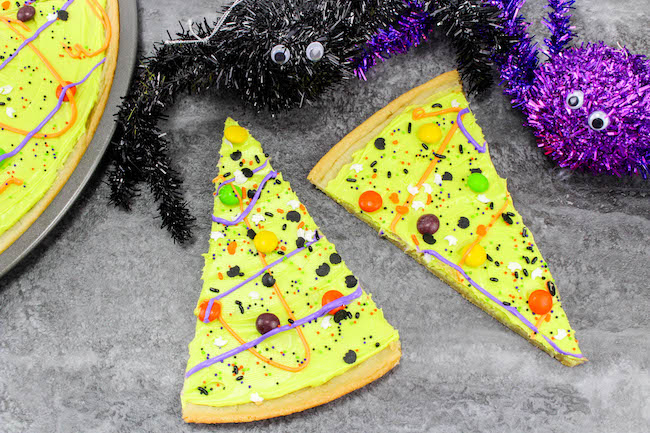 Here is a simple but fun Halloween cookie pizza recipe. There is enough for the entire class or even used as a dessert. It doesn't get any easier than this.
