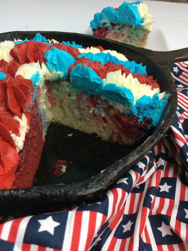 The 4th of July is fast approaching and this Cast Iron Skillet BBQ Grill Patriotic Cake Recipe is perfect for your picnic.