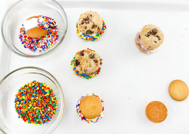 The Mini Ice Cream Sandwiches Recipe is perfect for your birthday party, BBQ picnic, last summer fling before school starts or just a day in the backyard.