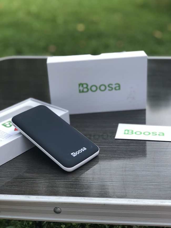 The Bossa best power bank is an ultra high capacity, high speed battery pack with 10000 mAh. One charge will juice up your iPhone up to 3.5 times.